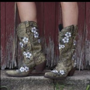 Durango Floral Print Embroidered Boots